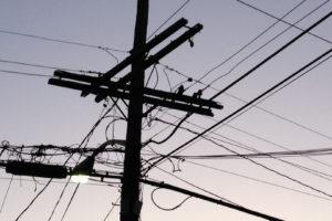 Un equipo de AT&T está buscando aprovechar los miles de kilómetros de tendido eléctrico para proveer señal