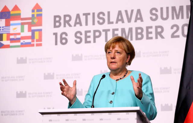 Canciller Ángela Merkel en cumbre de Bratislava 2016