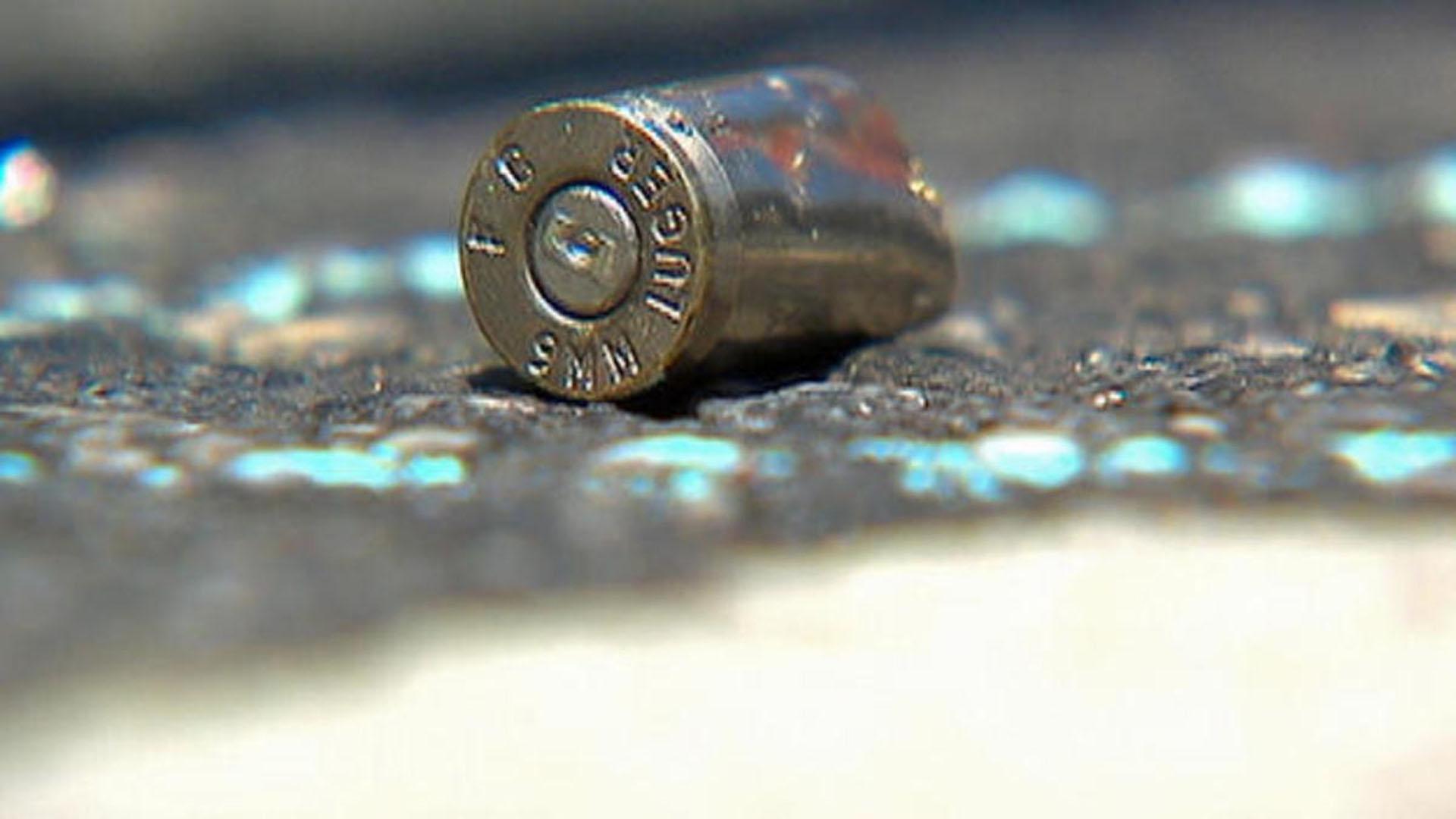El joven manipulaba un arma de la familia que se disparó y provocó la muerte de chico de 16 años