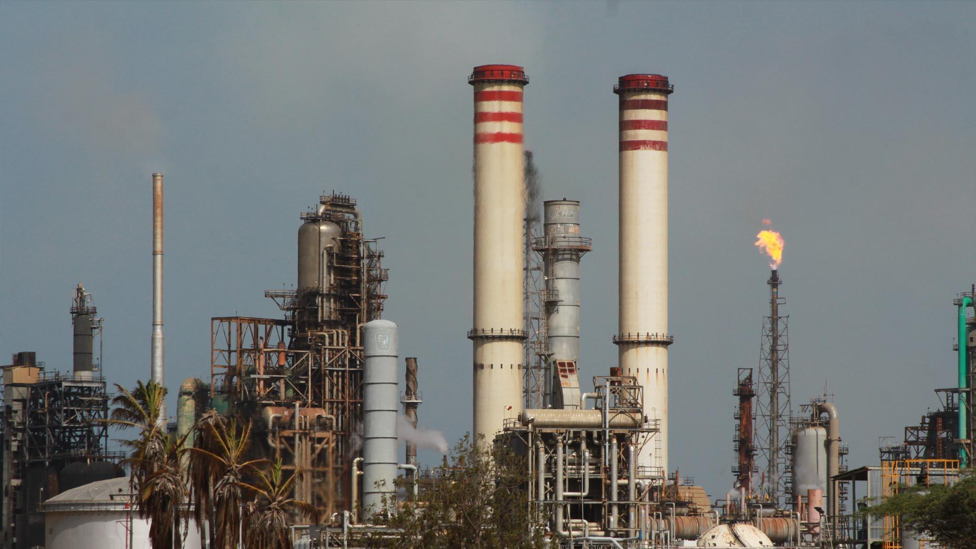 El ministro del Poder Popular de Petróleo, Eulogio del Pino, informó que en la madrugada ocurrió un ataque eléctrico en la planta