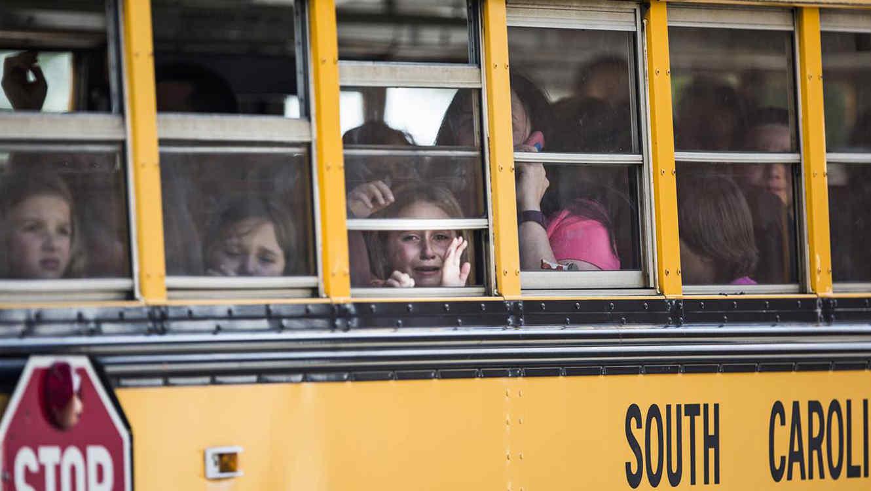 El joven hirió a dos alumnos y una maestra en la escuela primaria de Townville, además podría haber matado previamente a su padre