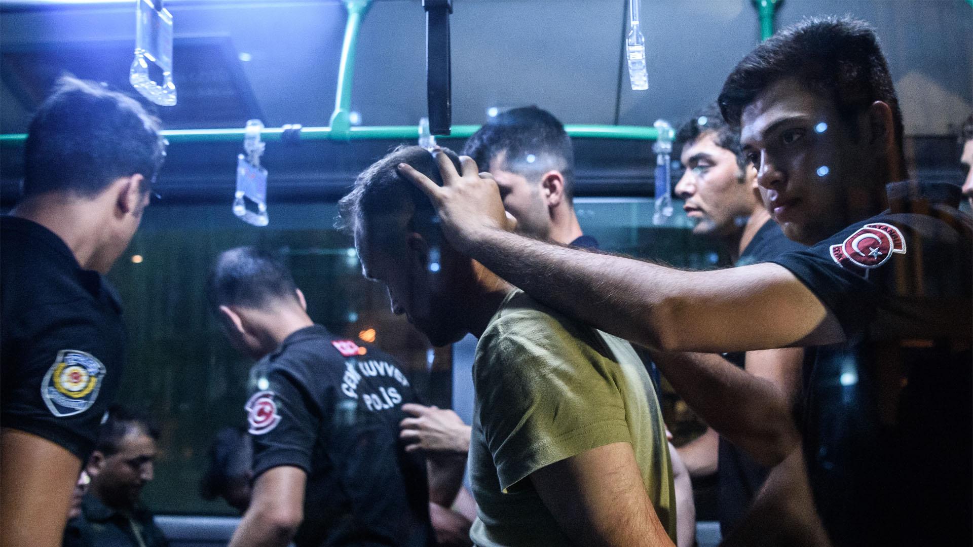 El ministro de exteriores de Turquía aseguró que el país preservará los derechos humanos de los acusados