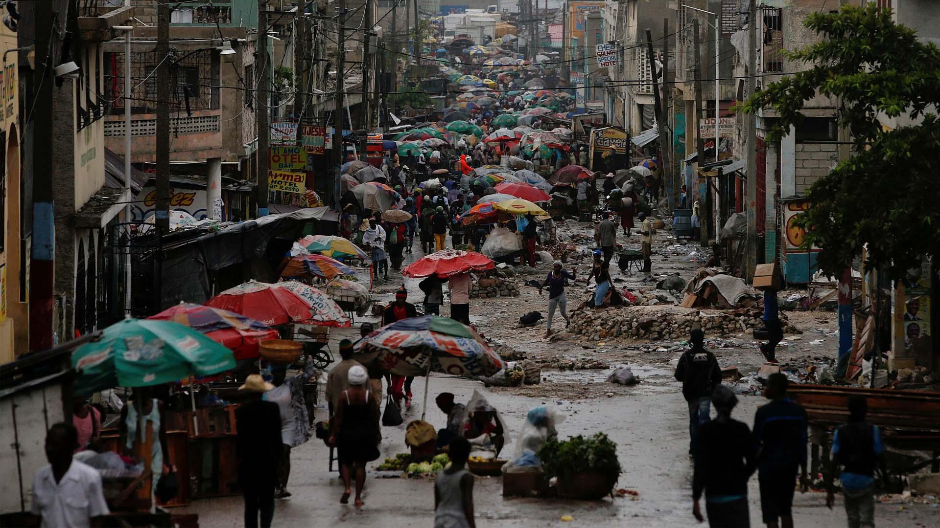Las fuertes lluvias afectaron a varias ciudades de la costa donde hubo desplazamientos y zonas parcialmente inundadas