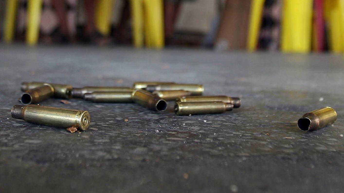 Otros tres jóvenes sufrieron heridas de bala, durante el tiroteo que inició el chico de 13 años