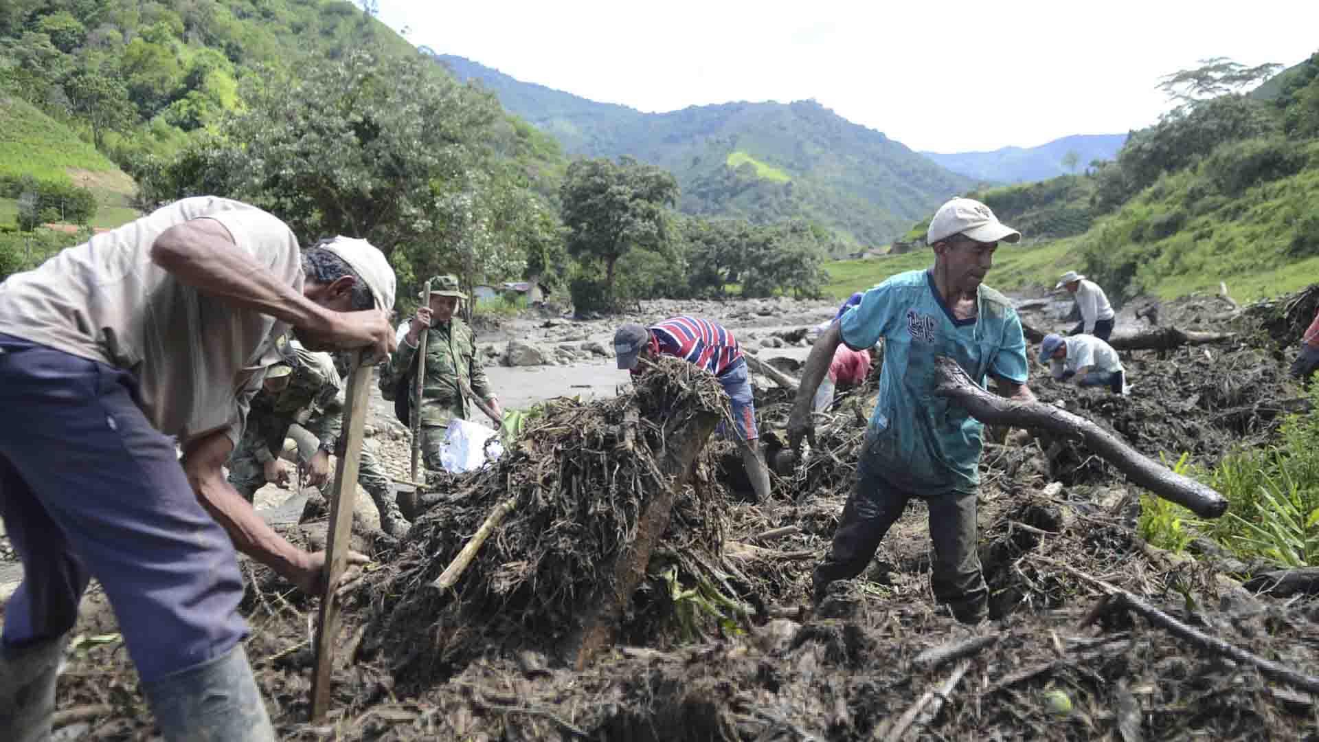 Otros seis indígenas resultaron heridos y fueron trasladados a centros asistenciales en Medellín