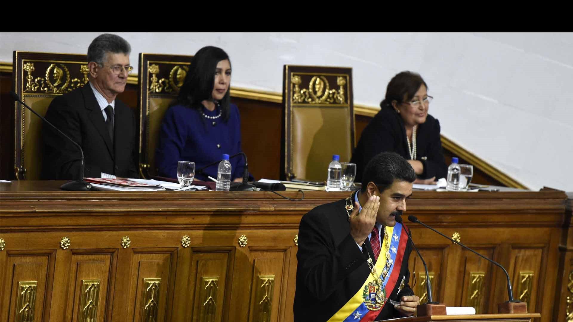 La constitución venezolana permite a la AN emitir sanciones en contra del presidente, más no removerlo de su cargo
