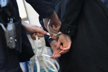 Dos acusados de violar la legislación sobre estupefacientes fueron arrestados en el marco de una investigación por narcotráfico de drogas y armas ilegales