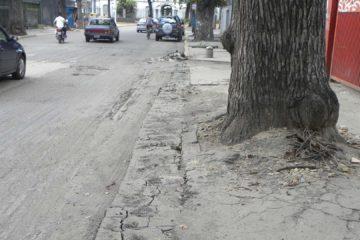 Las aceras de Caracas no son aptas para personas con alguna discapacidad