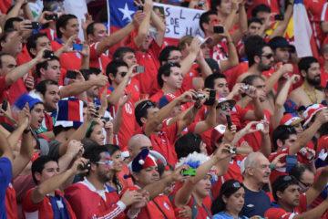 La Federación Chilena de Fútbol tiene una nueva amonestación parte del ente organizador debido a la conducta de sus aficionados