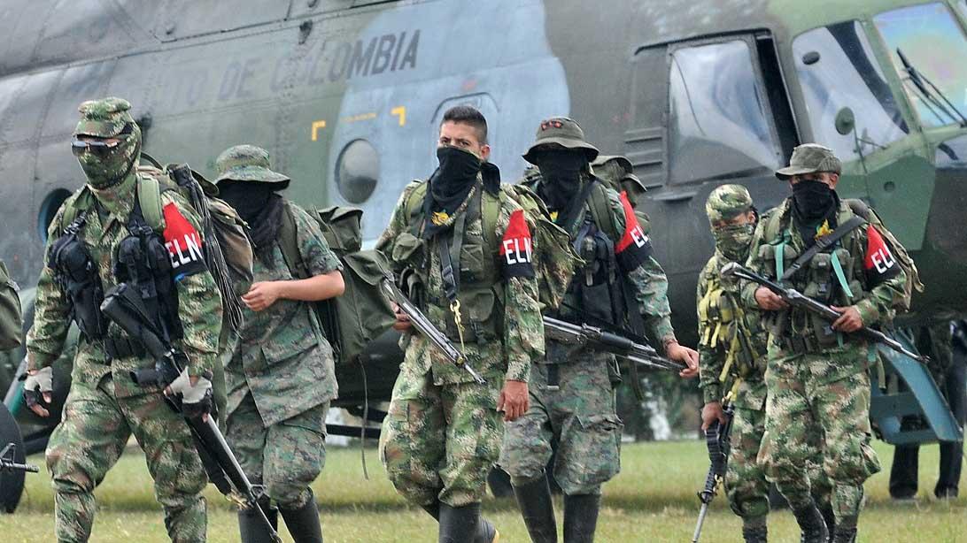 El hecho ocurrió en la carretera entre los municipios de Fortul y Saravena cuando los funcionarios se trasladaban en un vehículo militar