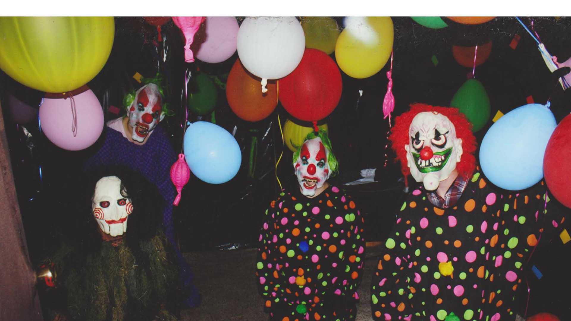 """En los últimos días personas vestidas como """"payasos asesinos"""" aparecen en varios lugares y propagan el miedo en la población"""