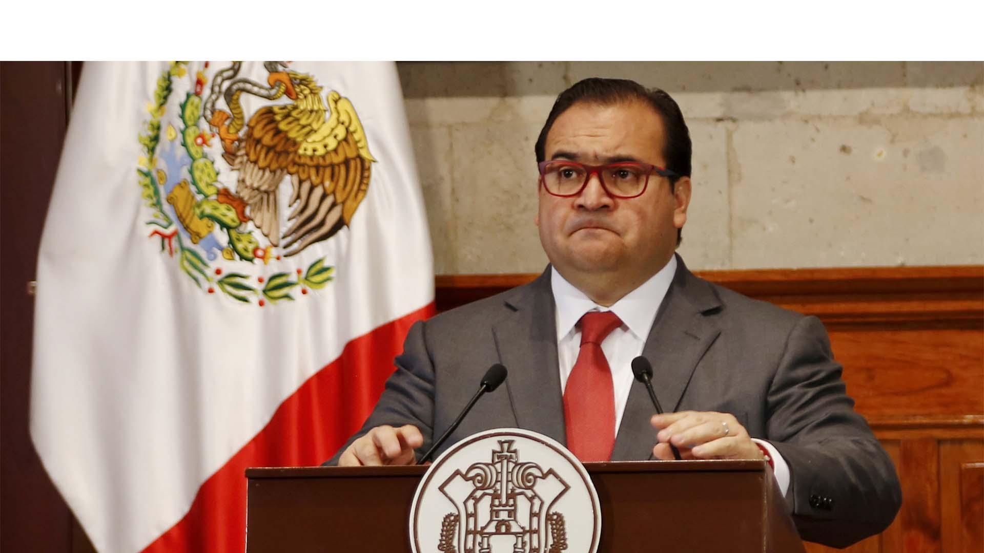 El ex gobernador de Veracruz culminaba su gestión mandataria el próximo 30 de noviembre pero hace una semana pidió licencia y se desconoce su paradero