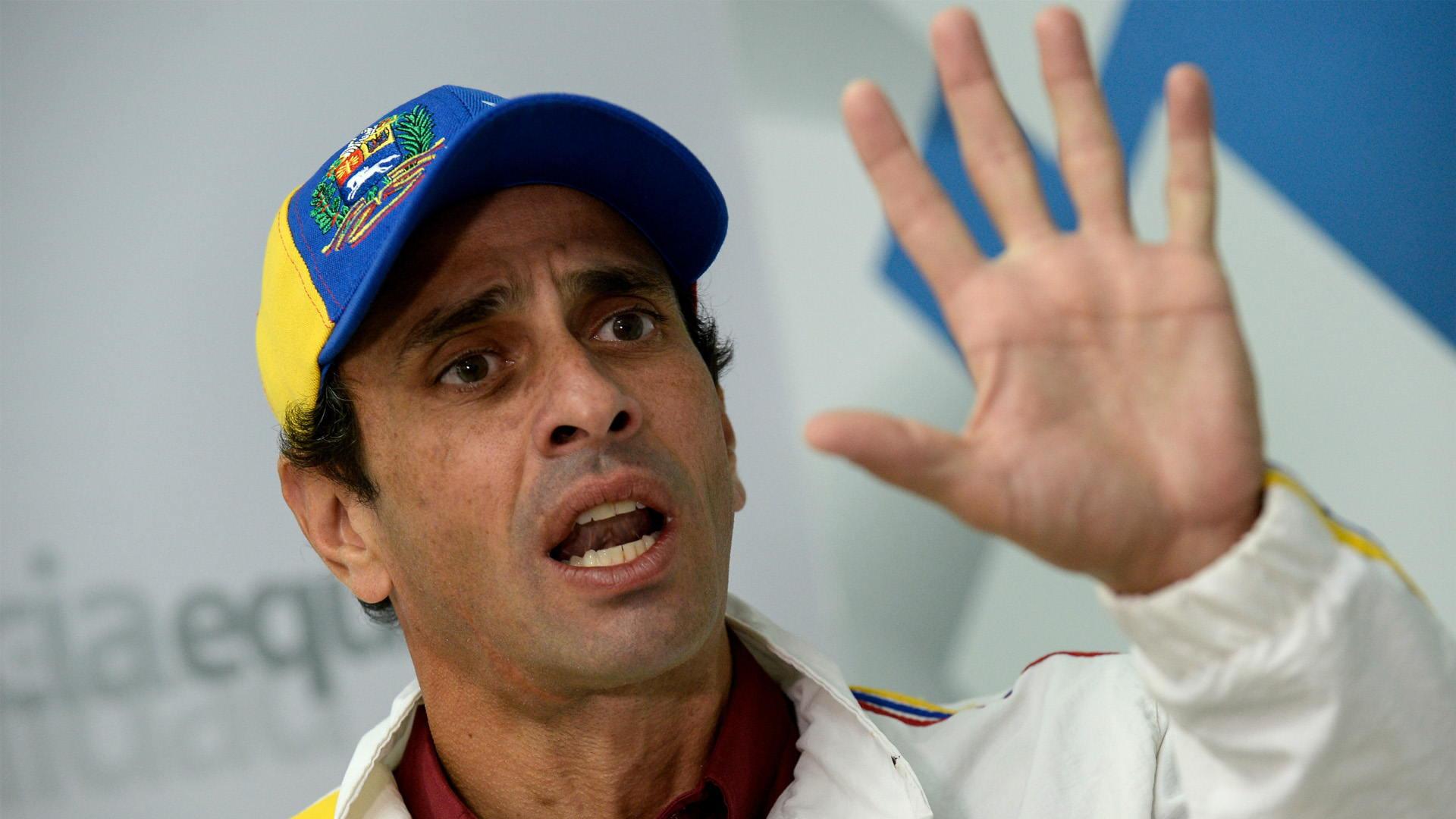 El representante de la MUD, Henrique Capriles, afirmó que se movilizarán en defensa de la Constitución
