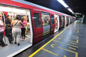 Los vendedores en el Metro de Caracas han incrementado y a su vez los delitos en el servicio