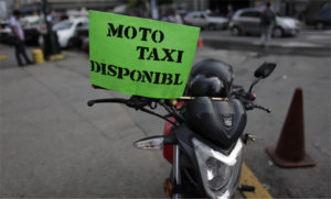 El oficio del mototaxista se ha visto en aumento de manera notable debido a los altos ingresos diarios que se obtiene