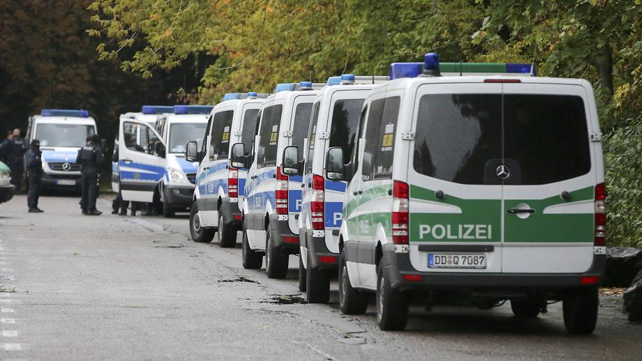 Las medidas fueron tomadas tras el hallazgo de explosivos en una vivienda de Chemnitz y la fuga de un sospechoso potencial