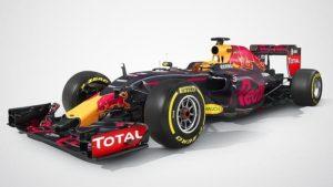 Este modelo es de Red Bull 2016, ahora cuentan con mayor seguridad interna y externamente
