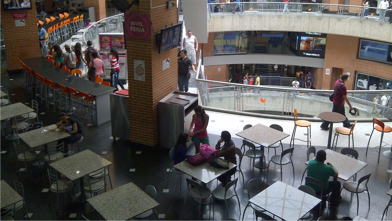 En vista del incremento de los hurtos en los centros comerciales, los locatarios incluirán más personal para prevenir los robos