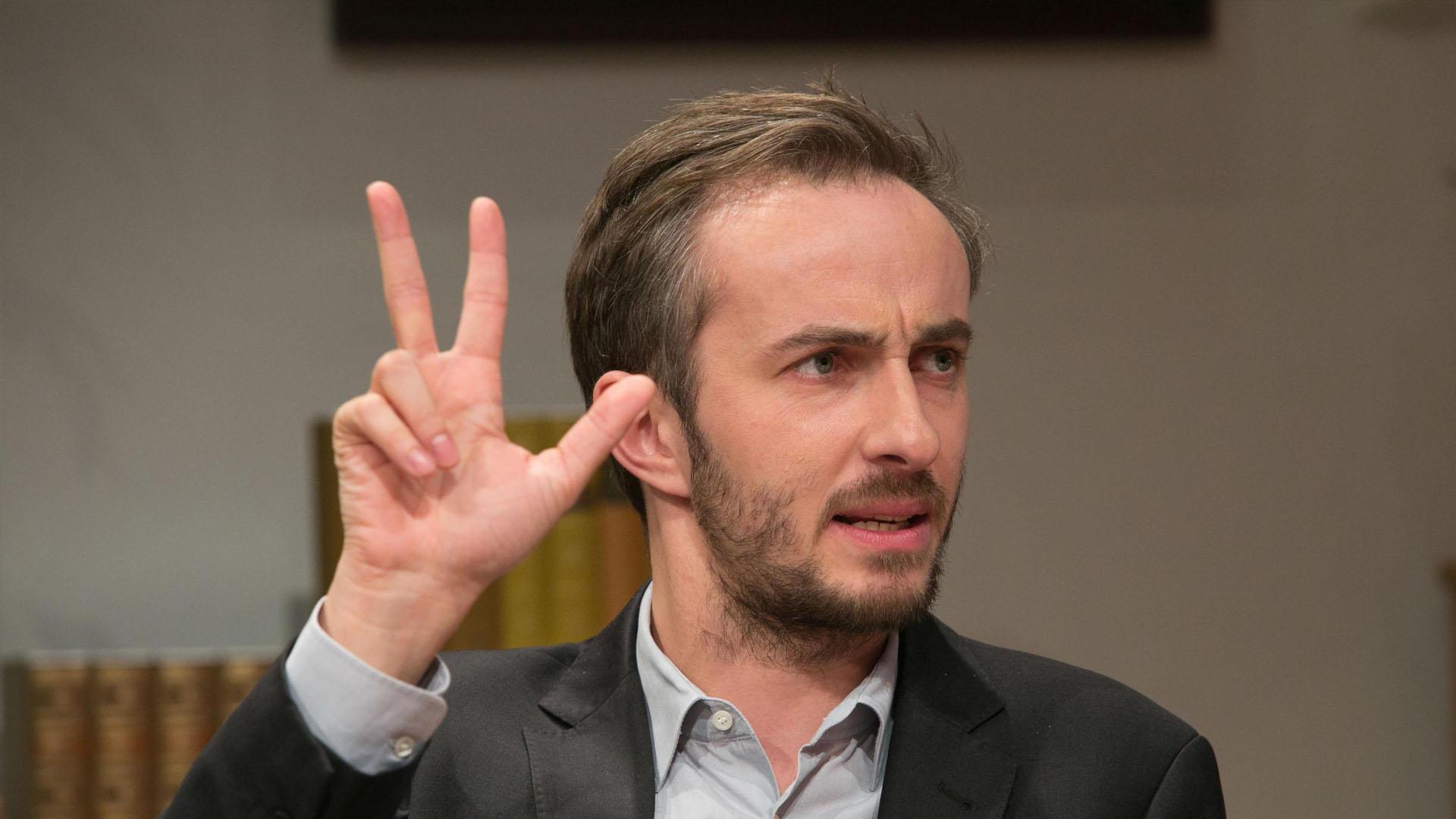 Jan Böhmermann fue demandado por el presidente de Turquía, Recep Tayipp Erdogan, por un poema satírico