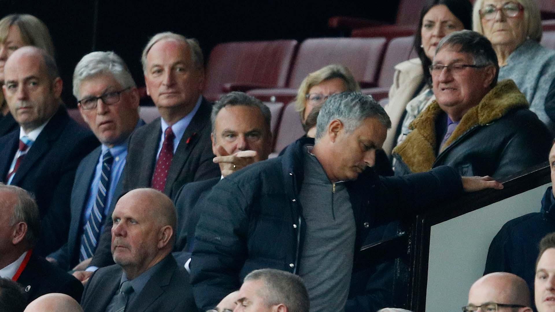 El entrenador portugués fue denunciado por la Federación Inglesa de Fútbol por su comportamiento en el partido del Burnley