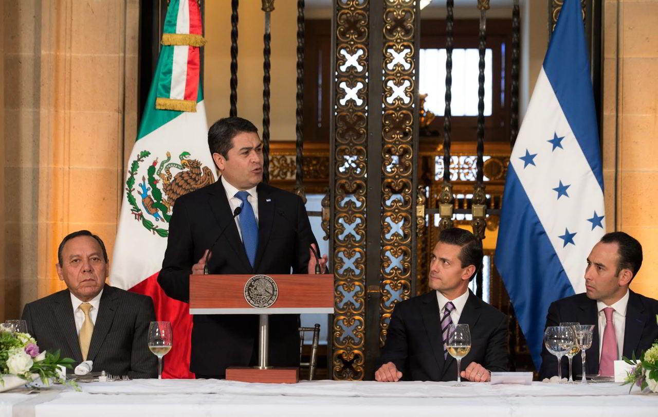 Juan Orlando Hernández anunció que implementará los cambios a partir del 2017