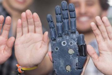 High-Five, tiene como finalidad devolver la sensación y funcionalidad a personas con discapacidad
