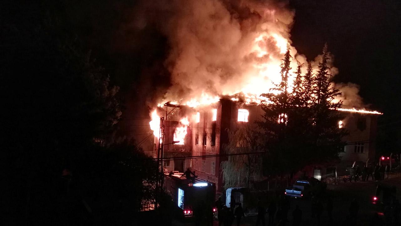 Entre las víctimas mortales, se encuentran 11 alumnas y una profesora además de 24 menores heridas a causa de las llamas