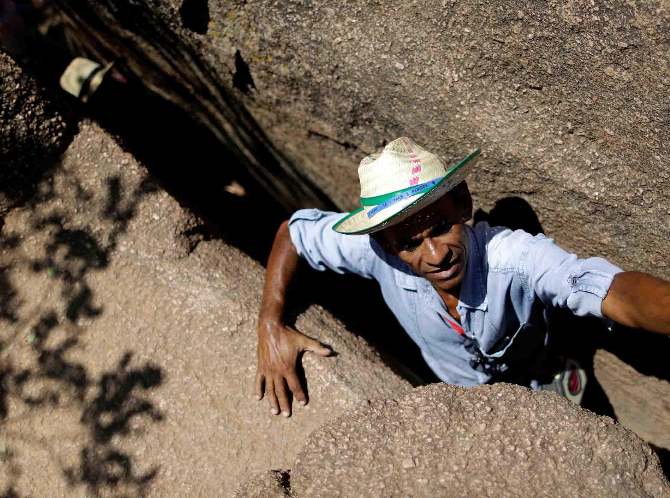 Al menos 10 personas murieron cuando una cueva se vino abajo durante una celebración religiosa en Brasil