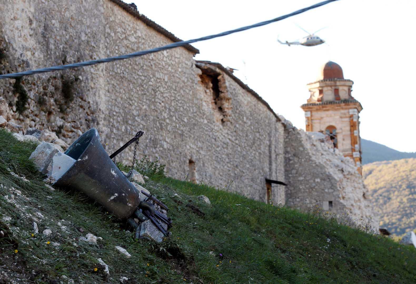 Un nuevo movimiento de 4.7 sacudió el pueblo de Ussita trayéndose abajo diferentes estructuras