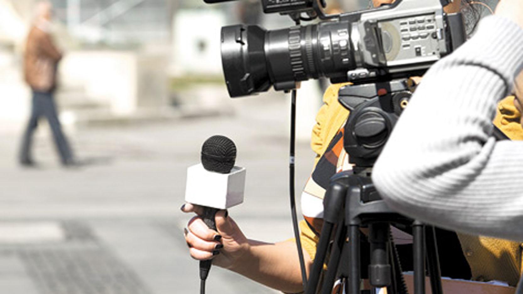 De acuerdo con la cadena Televisión Española, a un equipo enviado a Venezuela les fue negada la entrada al país