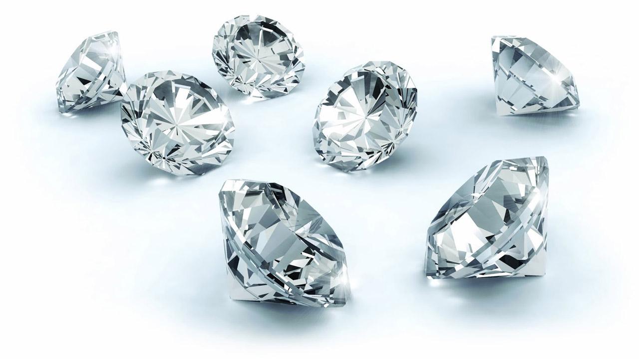 Científicos de la Universidad de Bristol en Reino Unido desarrolló una batería con diamantes artificiales partiendo de desechos radiactivos