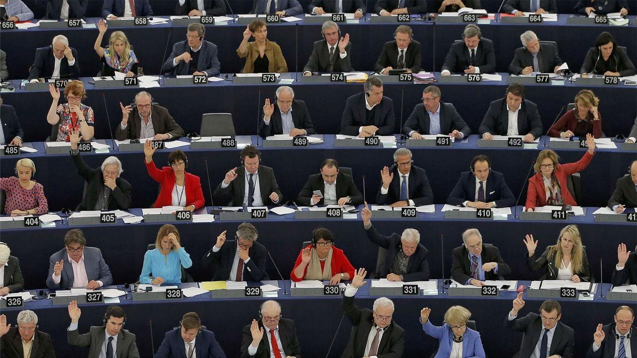 Dos representantes de la Eurocámara aseguraron que el país debe decidir su futuro antes del 2019
