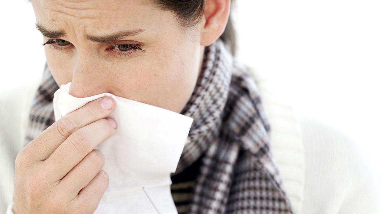Expertos señalan que lavarse las manos, aplicar las vacunas y taparse la boca al estornudar ayuda enormemente a evitar contagios