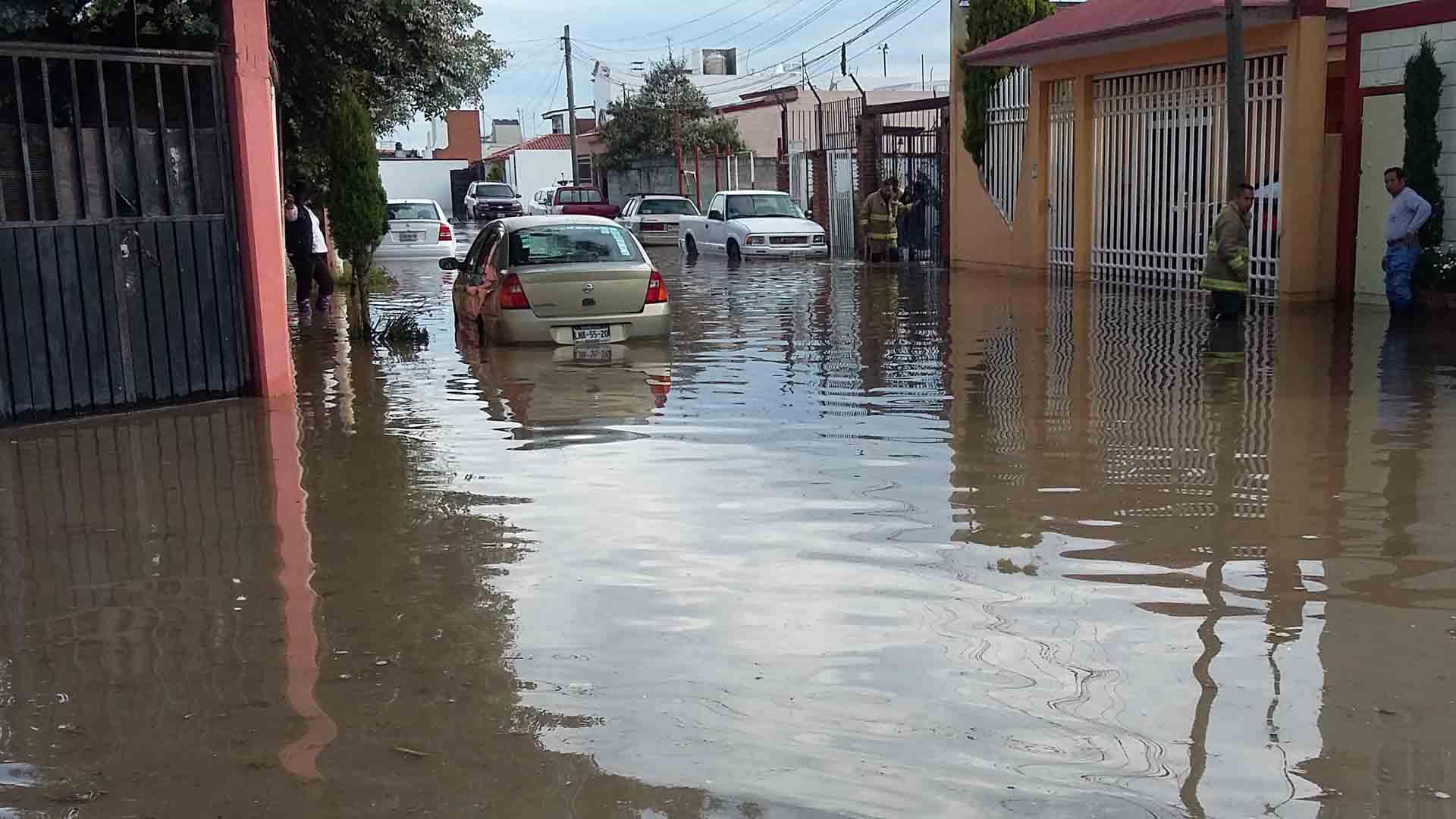 La tormenta tropical provocó la muerte de dos personas y serias inundaciones en varias zonas del país centroamericano