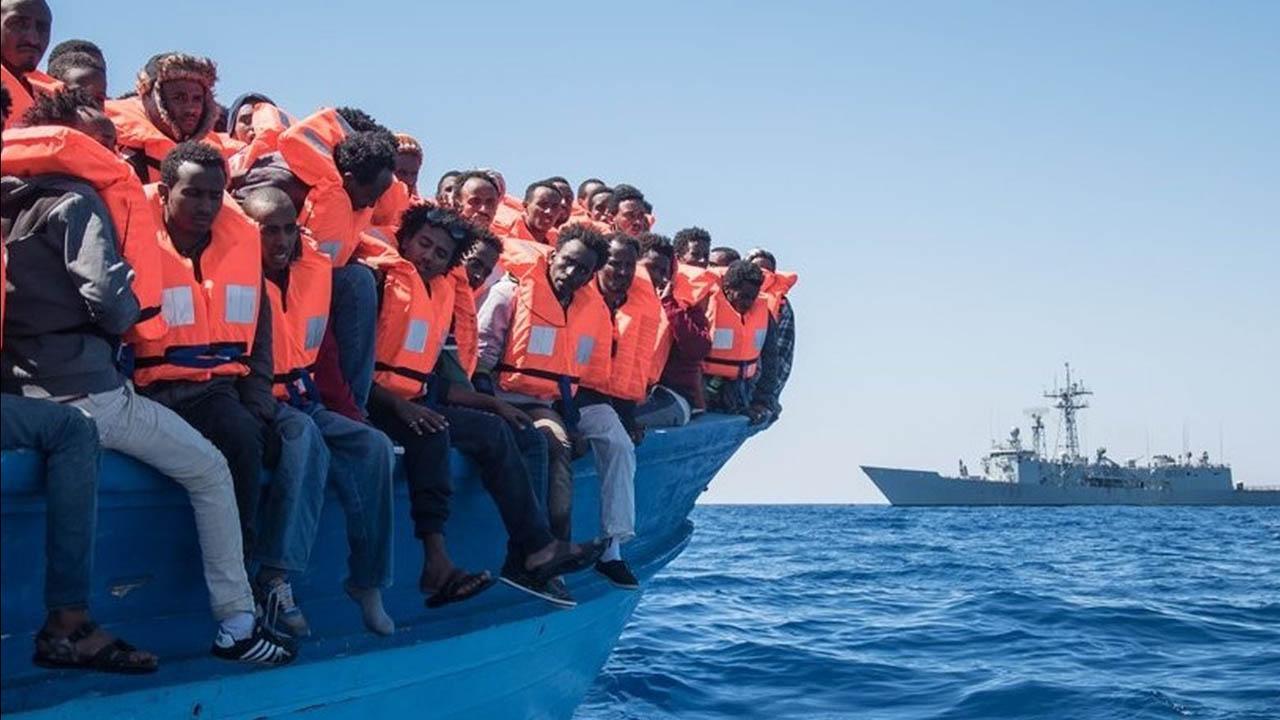 565 migrantes fueron rescatadas cerca de las costas de Libia