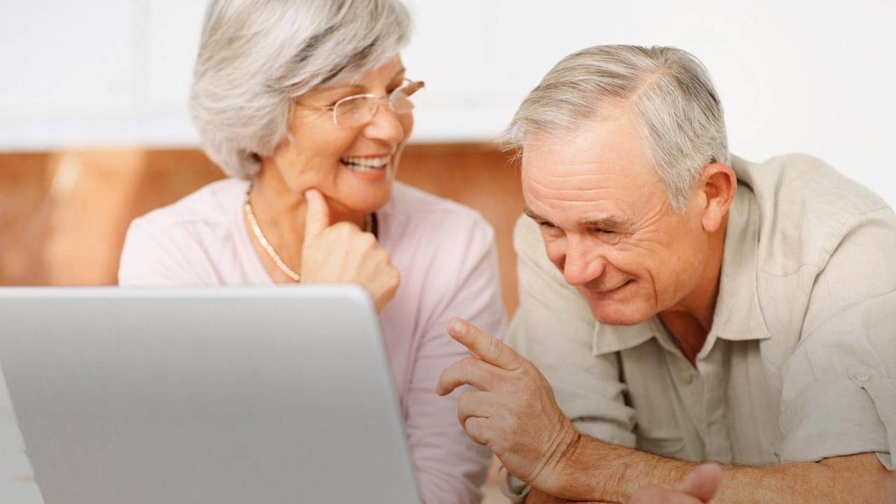 Establecer vínculos sociales través del celular u otro dispositivo reduce la pérdida de memoria
