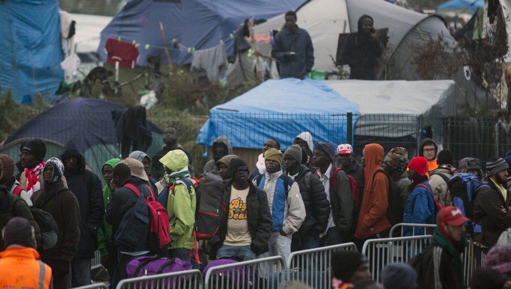 En París crearon medidas para recibir a inmigrantes y refugiados