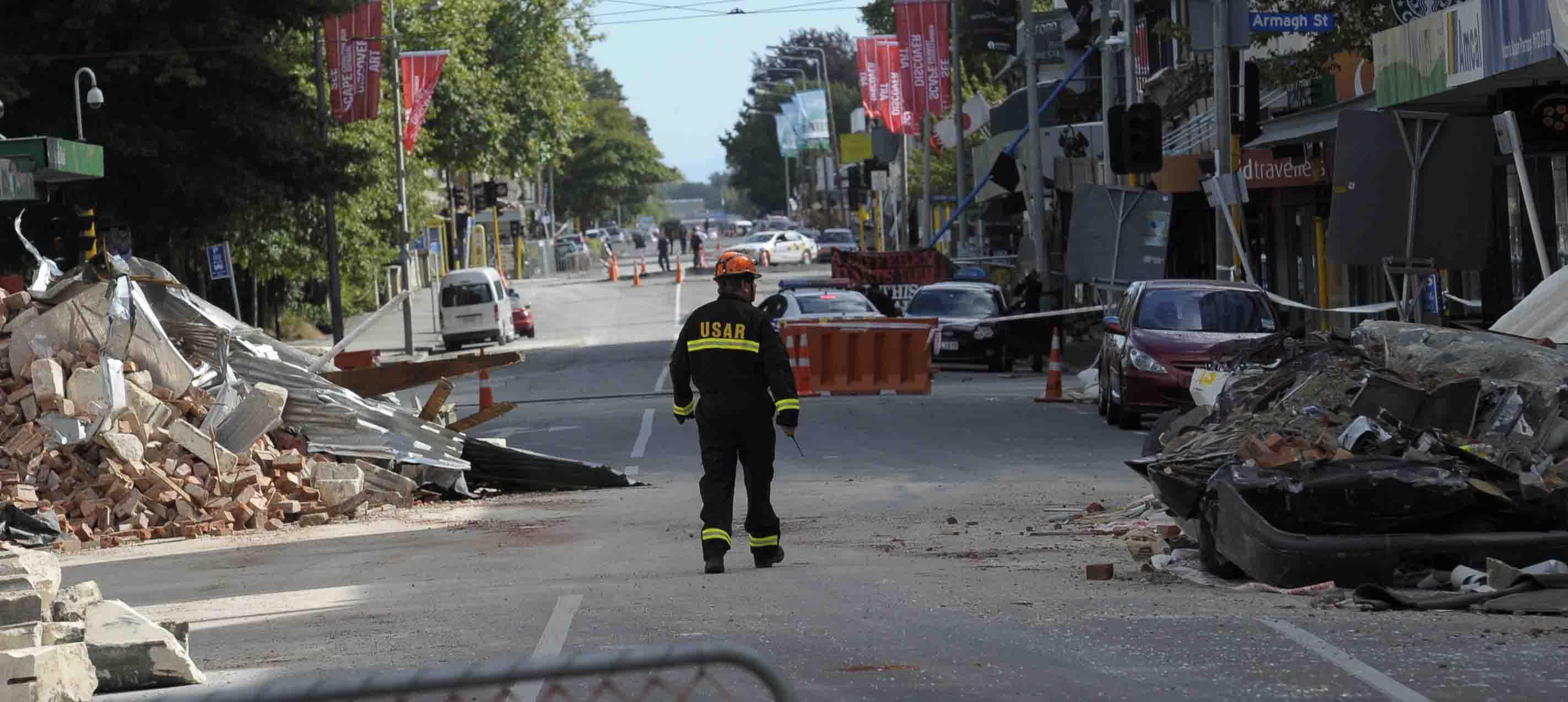 El movimiento telúrico reporto una magnitud 7.5 con alerta de tsunami en la costa norte de la Isla Sur