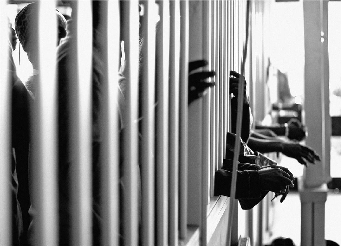 Veintidós años de cárcel a conductor por abuso sexual contra gemelas