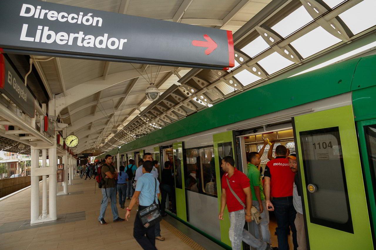 En las estaciones Libertador, Altos de La Vanega hasta Urdaneta, y Bella Vista.