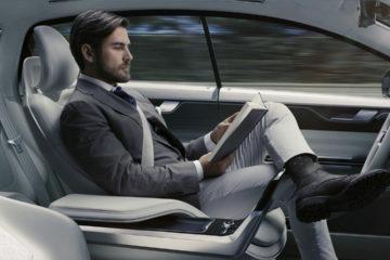 Ambas empresas buscarán un acuerdo para la creación de vehículos autónomos junto a los ingenieros de Waymo