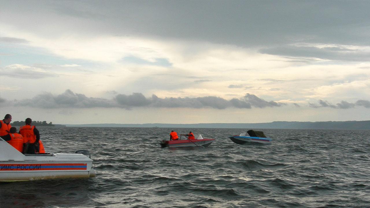 Un grupo de rescastistas logró ayudar a 26 de los 60 pasajeros que se encontraban en un barco con destino a la isla de Socotra