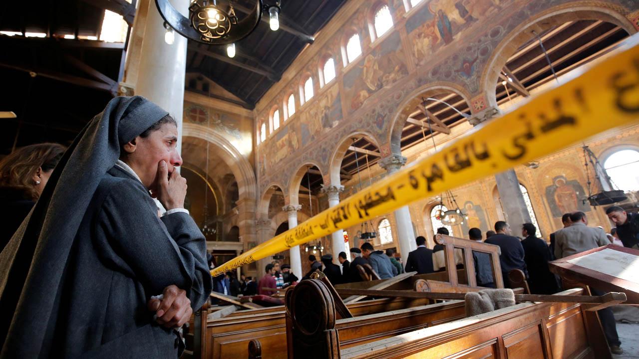 Un total de 25 personas murieron y otras 49 resultaron heridas durante una explosión dentro de una Iglesia en El Cairo