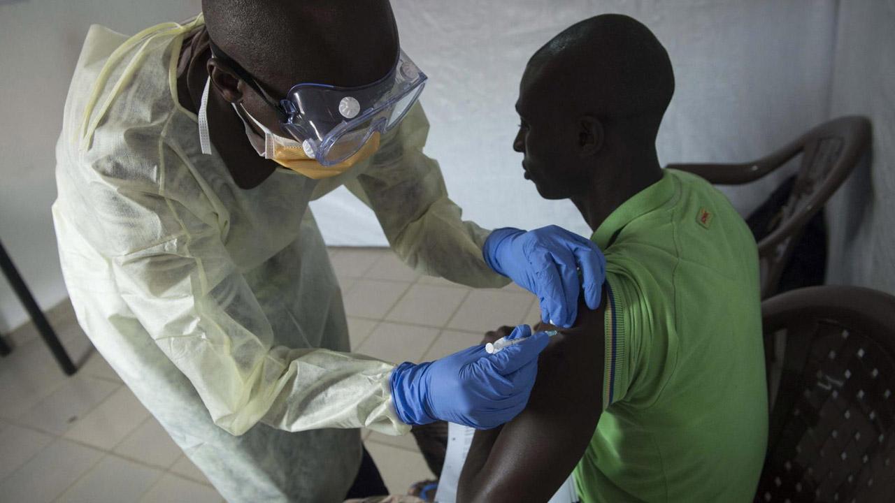 El ente internacional aseguró que luego de ensayos con 6 mil personas, la vacuna ha mostrado resultados positivos y eficaces