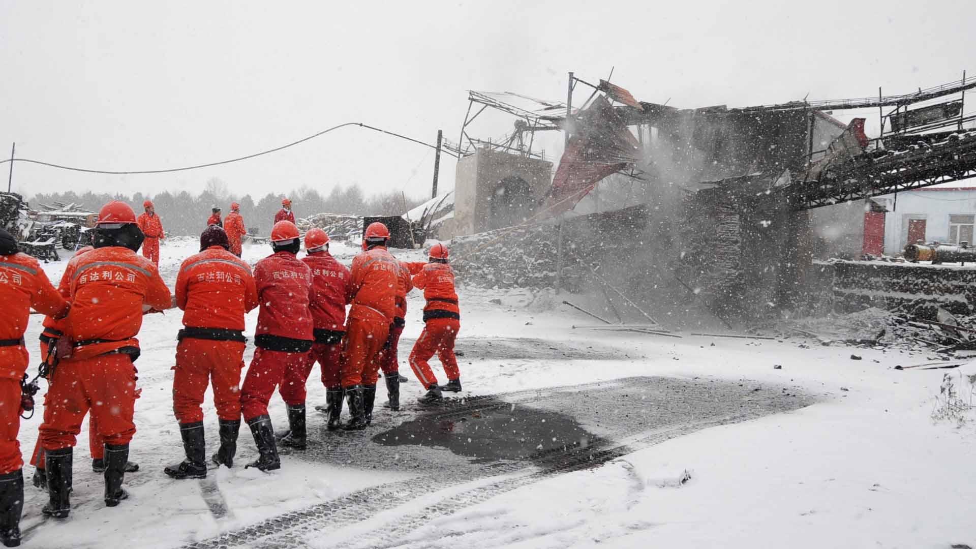 Este es el segundo accidente en esta semana, el hecho anterior fue un incendio en el cual murieron 21 trabajadores
