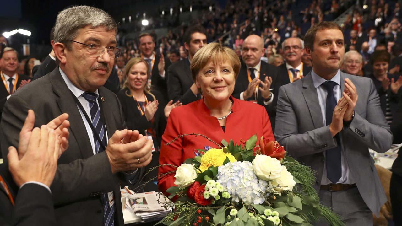 Con un 89,5% de los votos la alemana fue elegida por novena vez consecutiva para liderar la Unión Cristianodemócrata