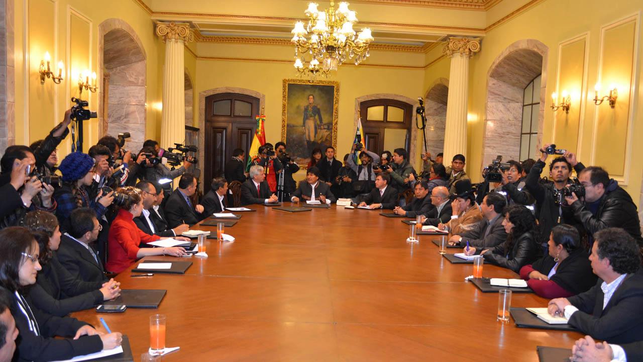 Presuntamente todo el gabinete del presidente boliviano dimitirá de sus cargos este mismo miércoles
