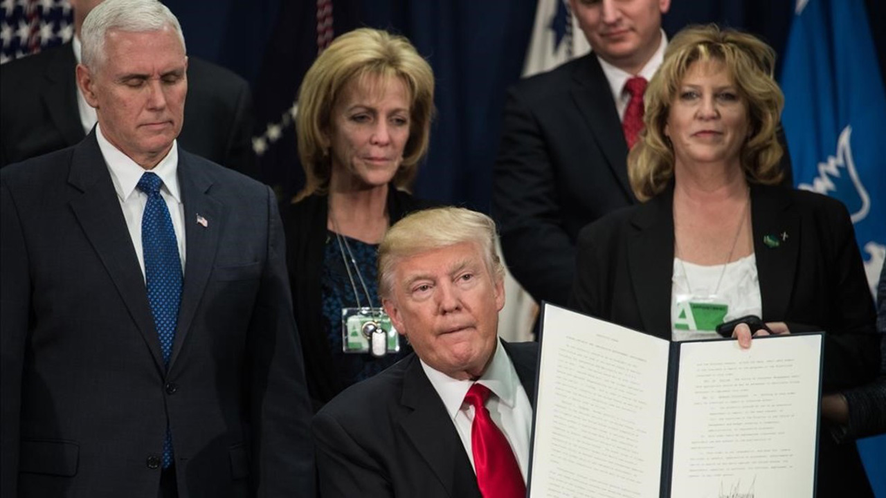 Luego de que el viernes fuera prohibida la entrada de refugiados a EE.UU, la ACLU emitió una demanda contra la administración del mandatario