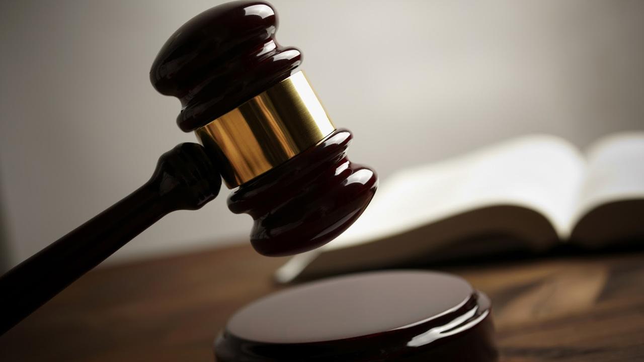 Una joven de 16 años fue sentenciada en Alemania a 6 años de prisión debido a un ataque con arma blanca a un policía