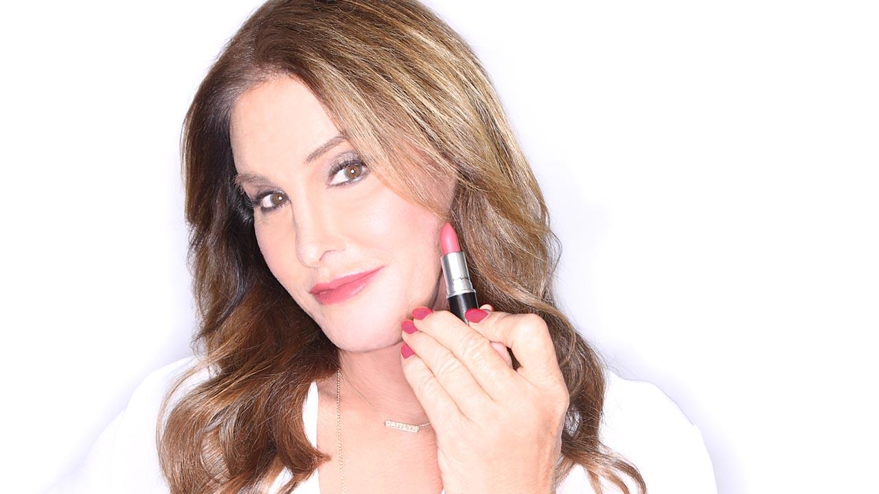 La reconocida marca de cosméticos impulsará colección completa con Caitlyn Jenner para seguir respaldando la comunidad